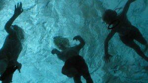 Les dangers des produits désinfectants des eaux de piscine